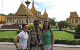 We arrive Royal Palace in Phnompenh