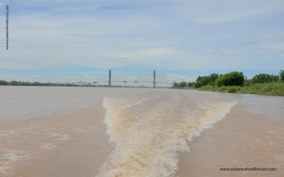 Speed boat up stream of Mekong river to Phnompenh
