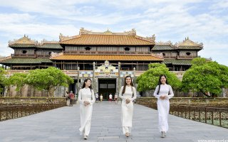 Vietnamese girls in traditional long dress - aodai