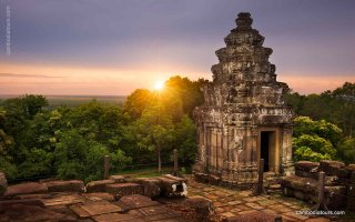 Cambodia at a Glance - 4 Days
